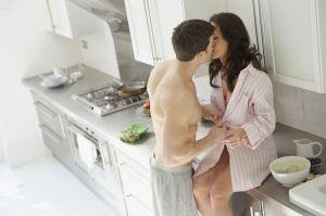 pareja-sexo-cocina-erotismo-juegos_sexuales-amantes_MUJIMA20110425_0031_33
