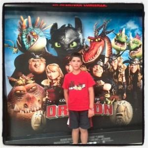 """Mi pequeño """"dragón"""" a la salida de la película."""